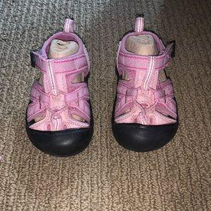 NIB Size T5 Girls Keen Sandals